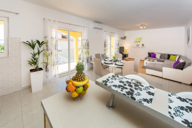 Apartments in Split: Contact Owners & Avoid Paying