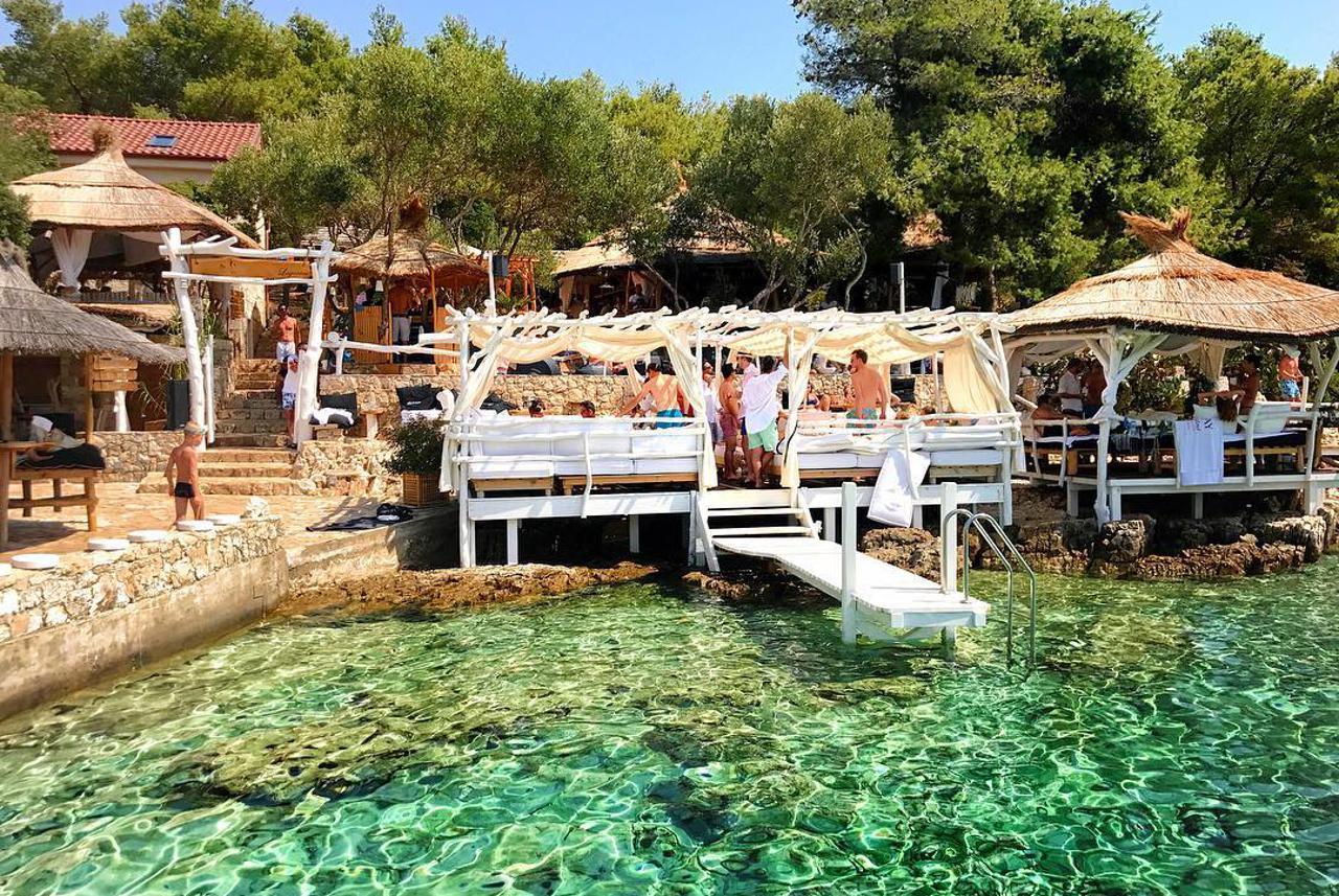 Laganini Beach Bar at Palmižana