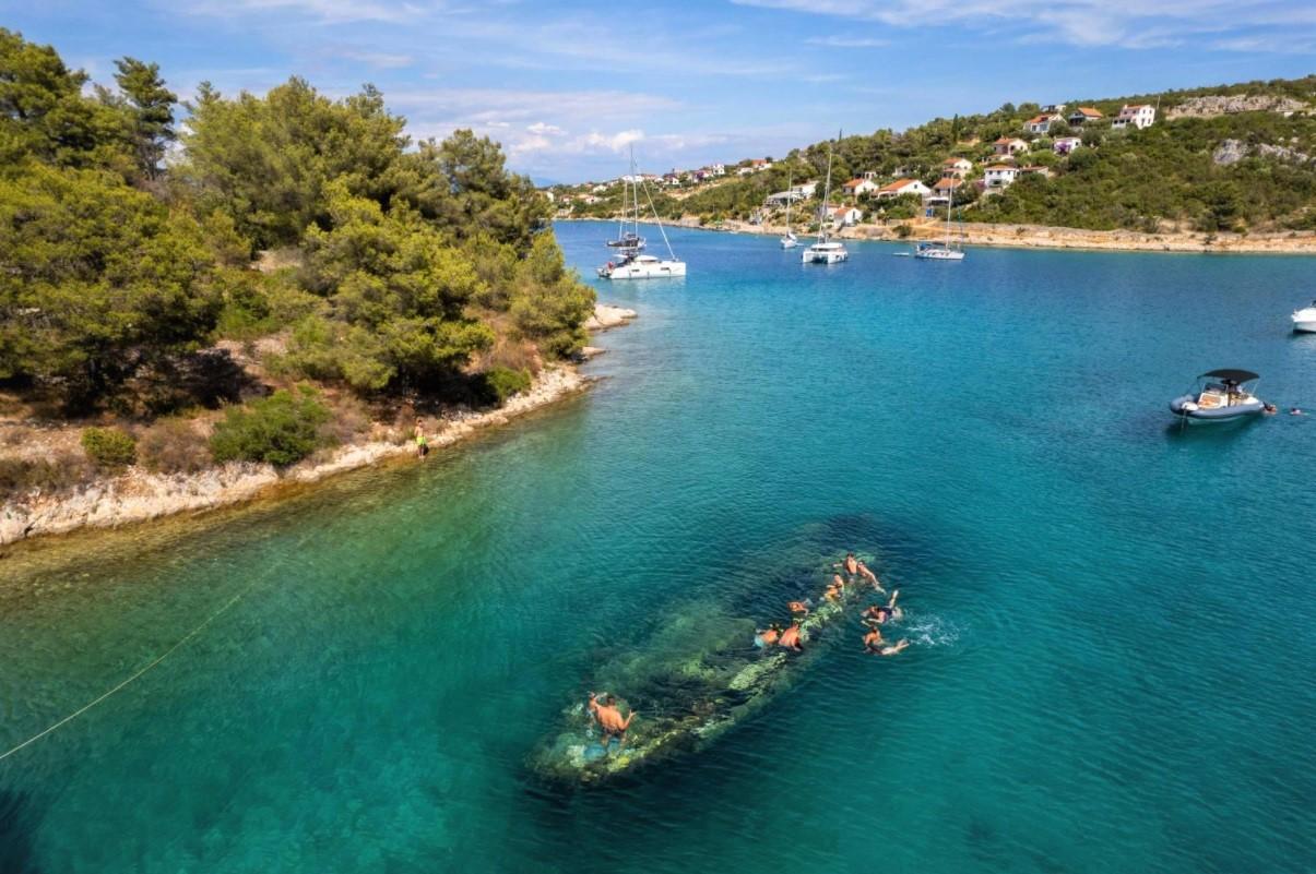 Shipwreck at Nečujam